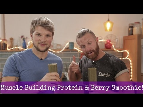 Muscle Building - Spinach & Berry Smoothie!